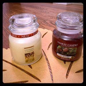 14.5 oz Medium Jar Yankee Candles